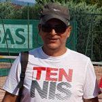 Moniteur tennis club