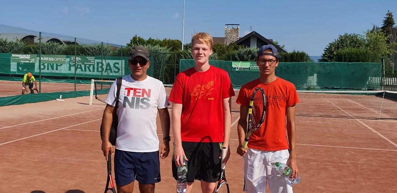 les Joueurs de tennis en action